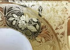 Water gilding work by Kotridis Kyrgiakos GREECE Illuminated Letters, Illuminated Manuscript, Christian Drawings, Stages Of Writing, Gold Leaf Art, Byzantine Art, Halo, Art Icon, Gold Gilding