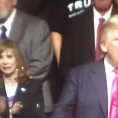 """This woman's face when Trump has the nerve to call Hillary a """"bigot"""" …"""