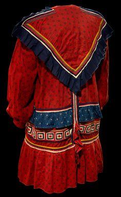 Seminole councilor coat, ca. 1900. Florida. Cotton; 95 x 167 cm. Collected by Mark R. Harrington. 1/8274