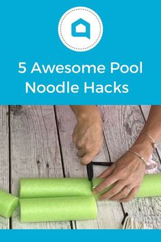 5 Awesome Home Hacks Using Pool Noodles is part of Mason jar crafts diy - Next time you're at the Dollar Store grab some pool noodles and make these awesome ideas for your home! diy pool noodles home hacks diy life hacks diy home hacks pool noodle hacks Diy Hanging Shelves, Diy Wall Shelves, Floating Shelves Diy, Wine Bottle Crafts, Mason Jar Crafts, Mason Jar Diy, Galaxy Bath Bombs, Do It Yourself Food, Pool Noodles