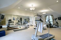 New Years Resolutions would be a lot easier to accomplish with a state of the art home gym like this one!