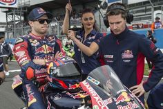 Bradl pulls out of race one at Donington Park - http://superbike-news.co.uk/wordpress/bradl-pulls-race-one-donington-park/