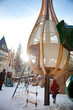 Spieltürme bauen aus holz mit Seilbrücken-verbunden Kletterwand
