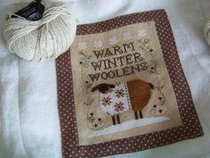 """Modèle """"Warm Winter Woolens"""" de LHN brodé sur lin Lakeside Linens """"Vintage Examplar"""" 32 count avec les fils Crescent Colors préconisés. Lin..."""