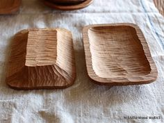 Not a huge project but still needs skill and time Wood Spoon, Wood Tray, Wood Bowls, Wooden Vase, Wooden Plates, Wooden Dough Bowl, Green Woodworking, Wooden Kitchen, Wood Texture
