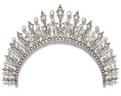 Lot 31 - A late 19th century diamond necklace-tiara combination,