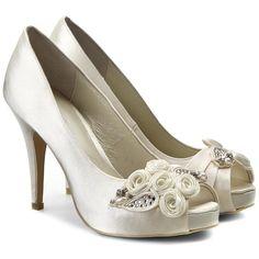 ada0caa4e6816 Les 187 meilleures images du tableau chaussures sur Pinterest   Shoe ...