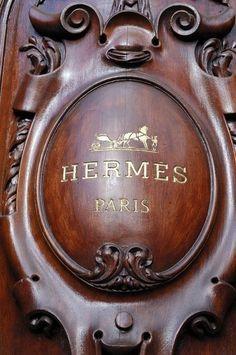 Hermes Paris - wonderful place to shop! I Love Paris, One Day In Paris, Hermes Paris, Vintage Mode, Perfume, City Lights, Paris France, France Europe, Bunt