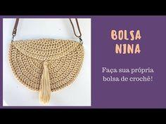 BOLSA NINA - Aprenda a fazer uma linda - e fácil - bolsa de crochê! Bag Crochet, Crochet Handbags, Crochet Purses, Crochet Designs, Crochet Patterns, Knit Pillow, Macrame Bag, Crochet Squares, Nina Simone
