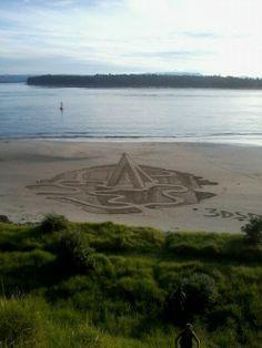 Nuova Zelanda, le illustrazioni sulla sabbia sono in 3D