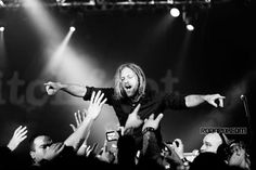 Switchfoot <- ya know, back in my day, Jon Foreman had this really long ha*r as shown above