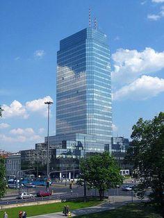 Plik:Błękitny Wieżowiec 01.jpg