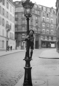 Rue Lepic at Montmartre Paris 1930s Keystone Agency