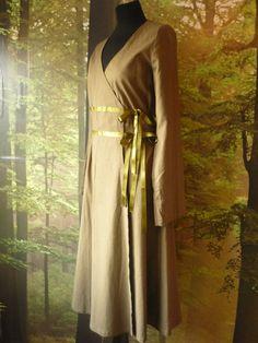 Green linen pagan Avalon gown Medium Robe dress door AvalondesignsNL