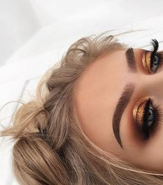"""68.8k Likes, 162 Comments - Morphe Brushes (@morphebrushes) on Instagram: """"Lost in the heat of it all @georgiaharbridge blended out mattes in the crease from the 35OM and…"""""""