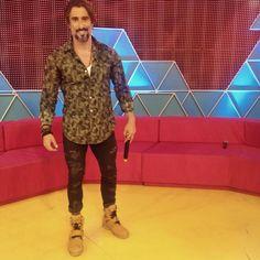 #HomemdeEstilo E aí meninos vocês gostam do estilo do Marcos Mion (@marcosmion)?! Os looks sempre tem pegada street + sportwear e o foco são sempre em acessórios! Gostam!? ●● #GBlovers #GBinspira