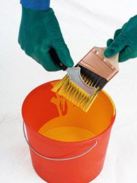 Expert Advice: Cleaning Paint Brushes fabric softner in the water! House Cleaning Tips, Deep Cleaning, Cleaning Hacks, Cleaning Paint Brushes, Cleaning Painted Walls, Cleaning Solutions, Brush Cleaner, Painting Tips, Mind Blown
