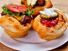 Tasty Cheeseburger Cups RECIPE: - 8 refrigerated biscuits - 1 lb. ground beef - 1/2 cup ketchup - 1 tsp Worcestershire - 1 Tbsp. mustard - 2 Tbsp. brown sugar - 8 small slices of ch...