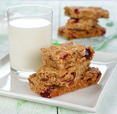 Delicious Homemade Snack: Sweet And Nutty Cherry Almond Granola Bars