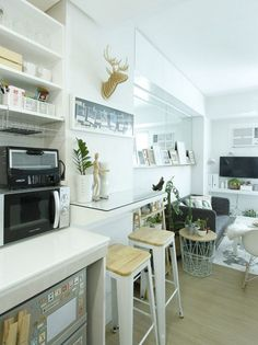 Taking inspiration from Scandinavian design, the homeowner brought the empty unit to life with small-space-friendly furniture and indoor plants Small House Interior Design, Small Apartment Design, Condo Design, Small Room Design, Apartment Interior Design, Small Apartments, Studio Type Condo Ideas Small Spaces, Small Studio, Interior Paint