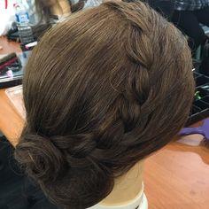 awesome vancouver wedding #bridalhairandmakeup #weddinghair #halfup #halfuphalfdown #hairpost #hairinspo #bridalhair #hairstyle #hairstyles #hairstylist #hairpost #hairposts #pinteresthair #bride #bridalhair #bridesmaidhair #bridalhairandmakeup #loosewave #prettyhair #makeup #beauty #instahair #instabraid #twistedhair #updo #upstyle #wavyhair #hair by @artist_sophi  #vancouverwedding #vancouverweddinghair #vancouverweddingmakeup #vancouverwedding