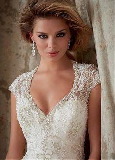 Glamorous wedding dress with beaded lace  #weddingdress #bride #style #fashion #beauty
