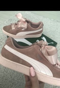 12cd11d843c87 Der Vikky Platform Schuhe von Puma - das ist Sporty Glam in seiner  schönsten Form.