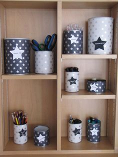 Les mercredis d'Héloïse & Apolline: La B.A. du jour : recycler & ranger Tin Can Crafts, Diy And Crafts, Pot A Crayon, Diy Organisation, Diy Signs, Diy On A Budget, Diy Projects To Try, Diy For Kids, Easy Diy