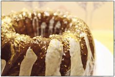 Schokoladiger Nussgugelhupf.
