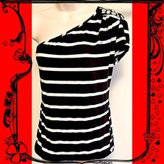 """❤️JUST IN❤️One shoulder striped short sleeve top ❤️One shoulder black & white striped short sleeve top. Jewel detail on shoulder dresses up this stylish basic. Measures approx 25"""" long, 36"""" bust. Stretchy & soft cotton spandex blend. Size large. Excellent condition- no flaws! Bundle to save! NO TRADES Reasonable offers welcome via offer button. Body Central Tops"""