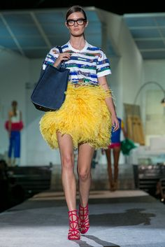 A sexy, Big Bird hybrid look from the Dsquared2 collection. (Photo: Nowfashion)