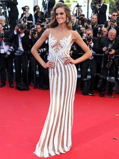 Izabel Goulart e Kendall Jenner vão a première em Cannes Izabel Goulart, Joan Smalls, Estilo Carrie Bradshaw, Fashion Models, Fashion Show, Fashion Design, Victoria Secret, Modelos Fashion, Fashion Colours
