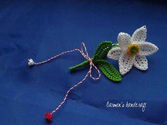 Broşă - narcisă , by carmenshandcraft, 15 Lei 8 Martie, Raksha Bandhan, Thread Work, Crochet Designs, Crochet Flowers, Crochet Baby, Diy And Crafts, Projects To Try, Shabby Chic