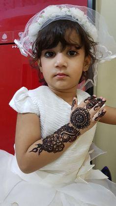 Mehndi Designs For Kids, Simple Arabic Mehndi Designs, Kids Videos, Baby Kids, Flower Girl Dresses, Wedding Dresses, Fashion, Bride Dresses, Moda