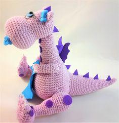 Patrigurumis: 💜💜 DRAGÓN BEBÉ AMIGURUMI👶- CROCHET👶👶 Amigurumi Toys, Crochet Patterns Amigurumi, Crochet Dolls, Crochet For Kids, Crochet Baby, Crochet Monsters, Crochet Dragon, Homemade Toys, Doll Tutorial