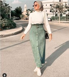 حجاب ملابس بنات محجبات hijab hijab fashion hijabers hijab style gamis jilbab muslimah fashion hijab syari hijab murah gamissyari khimar ootd islam like muslim gamismurah kerudung dress hijabi hijab instan hijabootd jilbabmurah bajumuslim hijaber ootdhijab Modest Fashion Hijab, Modern Hijab Fashion, Casual Hijab Outfit, Hijab Chic, Muslim Fashion, Look Fashion, Skirt Fashion, Fashion Outfits, Dresses For Hijab
