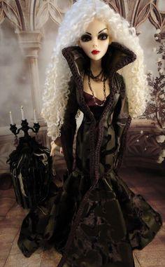 Tonner Wilde Imagination Doll  Grave Concerns Evangeline Ghastly