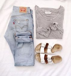 simple jeans, stripe shirt and white birkenstock - great minimal outfit for a summer capsule wardrobe