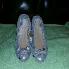 Donald J Pliner  flat ballet shoes Like new, sliver distress metallic flats with cute bows bearing djp logo. Noteworthy texture elevates a trim flat fitted with an elasticized topline and flexible rubber sole for a comfortable fit.rubber sole. By Donald J. Pliner; made in Italy. Salon Shoes. Donald J. Pliner Shoes