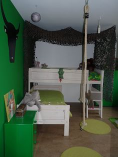 de junglekamer mét lianen Boy Room, Kids Room, Jungle Bedroom, Loft, Cas, Furniture, Rooms, Night, Home Decor
