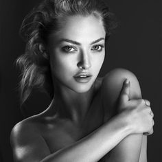 amanda seyfried cle de peau beaute 2014 campaign3 Amanda Seyfried Stuns in New Clé de Peau Beauté Ads