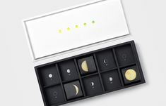 """Citrus Moon"" packaging for mooncakes designed by Tsan-Yu Yin for Xue Xue Institute"