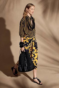 Michael Kors Collection Resort 2018 « Costanza Pascolato...saia sarong...