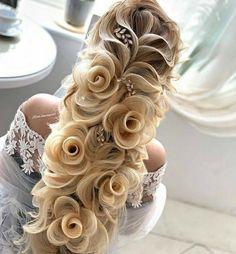 Wedding hairstyle, her hair looks like flowers! Braided Bun Hairstyles, Pretty Hairstyles, Easy Hairstyles, Hair Updo, School Hairstyles, Winter Hairstyles, Hairstyle Ideas, Wedding Hairstyles For Long Hair, Hair Wedding