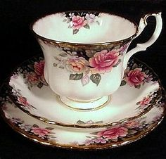 ♥•✿•♥•✿ڿڰۣ•♥•✿•♥  royal albert concerto--isn't it lovely?  ♥•✿•♥•✿ڿڰۣ•♥•✿•♥