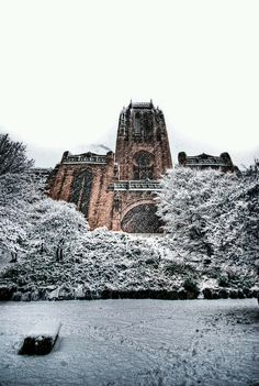 Liverpool Life, Liverpool History, Liverpool England, Liverpool Cathedral, Modern Metropolis, Most Beautiful Cities, Tower Bridge, Monument Valley, Around The Worlds