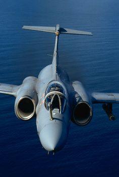 Blackburn Buccaneer Military Jets, Military Aircraft, Blackburn Buccaneer, Reactor, South African Air Force, Aircraft Design, Us Air Force, Aviation Art, Royal Navy