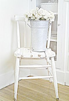 Sweet chair, tin, flowers