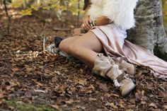 Diamond Layer by Layer Boots. Boho boots. Botas étnicas. Handmade white diamond feather fringes hippie chic style. Model: Mireia Canalda  Bohemian boho style Tree House
