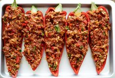 Stuffed pointed pepper with minced meat Cooking caps Quick Healthy Meals, Good Healthy Recipes, Healthy Cooking, Easy Meals, Food Porn, Diner Recipes, Foods With Gluten, Tapas, Food Inspiration